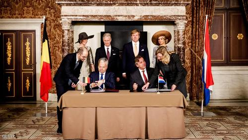 مراسم امضای قرارداد مبادله زمین میان هلند و بلژیک با حضور وزیران خارجه و پادشاهان دو کشور/ خبرگزاری فرانسه