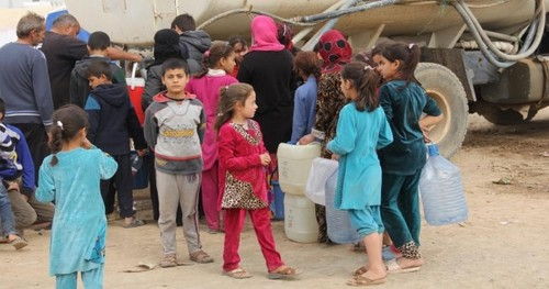 آوارگان موصل عراق در یکی از کمپ های پناهندگان در نزدیکی این شهر
