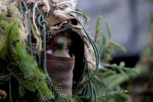یک سرباز لیتوانیایی در رزمایش ناتو