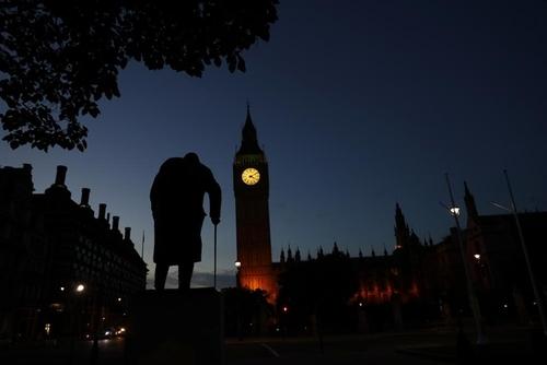 مجسمه چرچیل در لندن