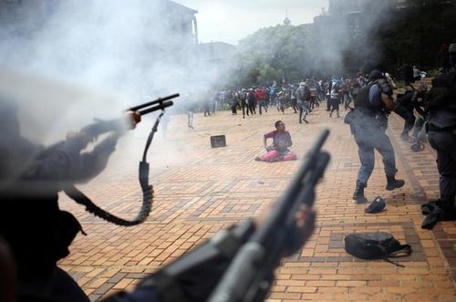 تظاهرات دانشجویی در شهر ژوهانسبورگ آفریقای جنوبی