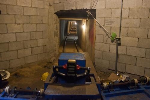 کشف تونل زیر زمینی قاچاق مواد مخدر به آمریکا در مرز مکزیک