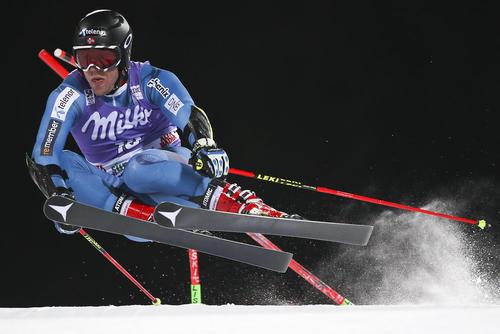 اسکی باز نروژی در جریان مسابقات جهانی اسکی آلپاین در ایتالیا