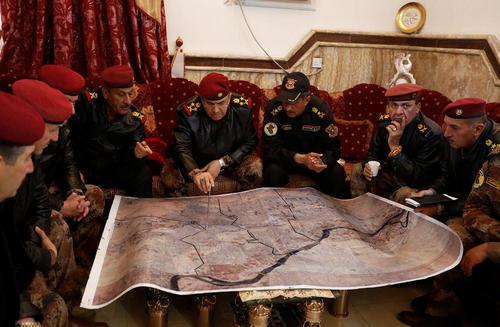 جلسه فرماندهان ارشد نظامی عراق در عملیات آزادسازی شهر موصل