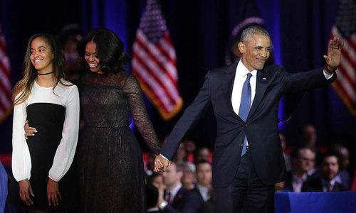 اوباما با همسر و دختر بزرگش در آخرین سخنرانی