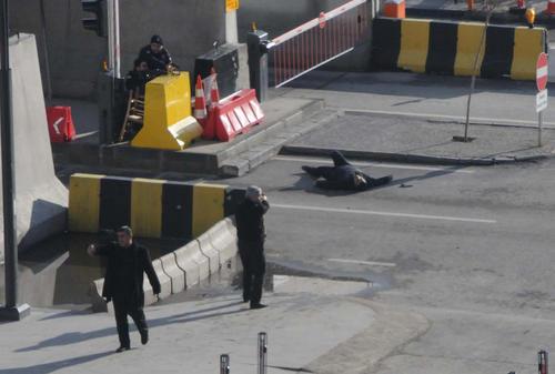کشتن یک بمبگذار انتحاری در مقابل مرکز فرماندهی پلیس در شهر قاضی آنتپ ترکیه
