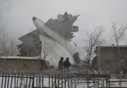 سقوط هواپیمای باری ترکیه در روستایی نزدیک  پایگاه هوایی مناس قرقیزستان