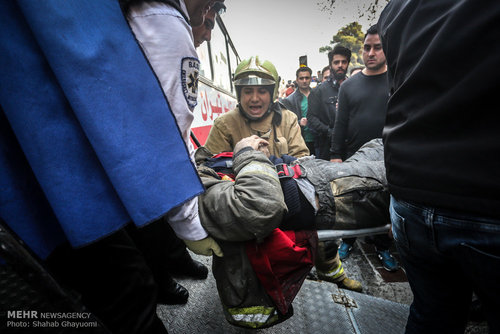 قهرمانان حادثه تلخ پلاسکو (عکس)