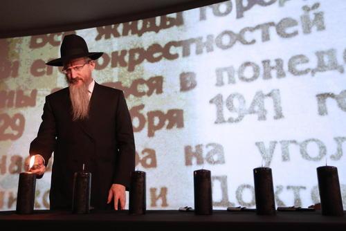 خاخام ارشد یهودیان روسیه در مراسم گرامی داشت روزجهانی هولوکاست در مسکو