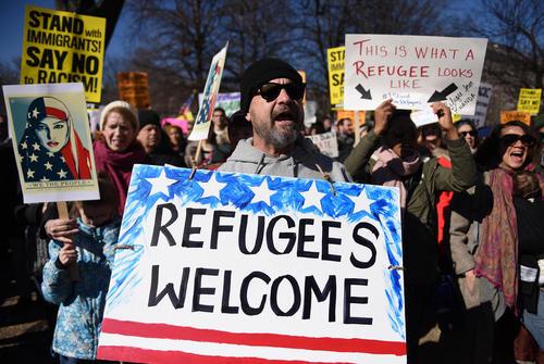 تظاهرات بر ضد فرمان ضد مهاجرتی ترامپ در مقابل کاخ سفید – واشنگتن