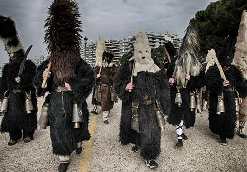 کارناوال سنتی خیابانی در شهر تسالونیکی یونان