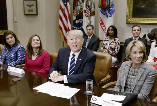 دیدار ترامپ با گروهی از معلمان و والدین دانش آموزان – کاخ سفید
