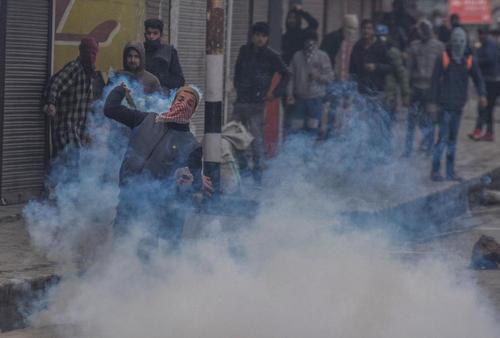 تظاهرات پس از مسلمانان کشمیری علیه پلیس هند