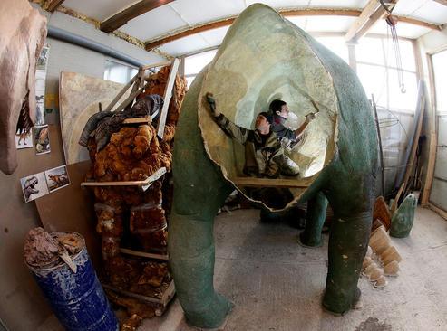 ساخت ماکت یک دایناسور – کرسنویارسک روسیه
