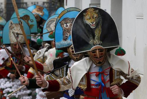 کارناوال خیابانی سالانه در شهر لازا در اسپانیا