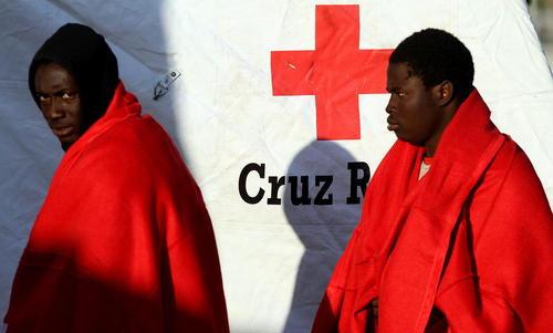 نجات 52 پناهجوی آفریقایی تبار در سواحل مدیترانه – مالاگا اسپانیا