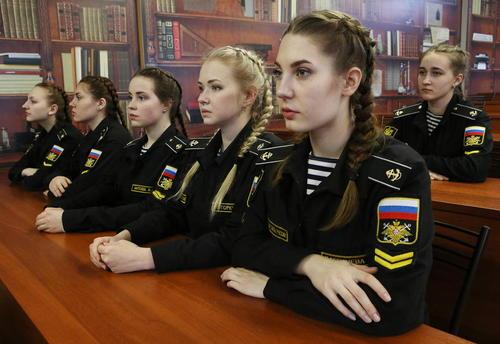 دانشجویان زن دانشکده افسری نیروی دریایی کوزنتسف روسیه