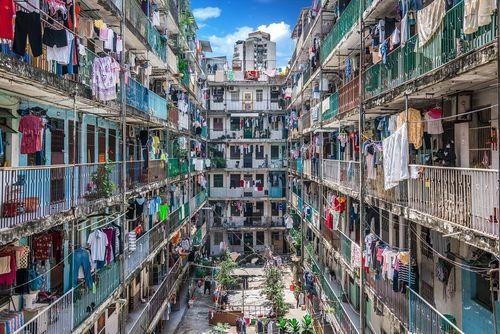 یک مجتمع مسکونی شلوغ در جزیره ماکائو چین