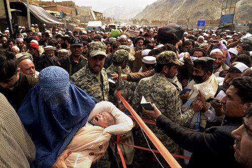 سه کشته در ازدحام شدید در منطقه مرزی تورخم بین افغانستان و پاکستان