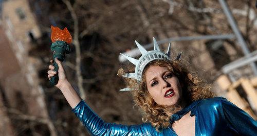 تظاهرات روز جهانی زن در میدان واشنگتن در محله منهتن نیویورک