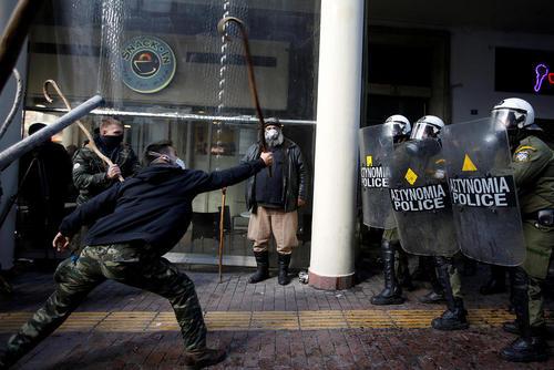 تظاهرات کشاورزان یونانی علیه سیاست های ریاضت اقتصادی – آتن
