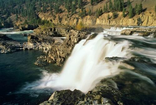 آبشار کوتنای در مونتانا