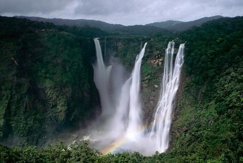 آبشار جاگ در هند