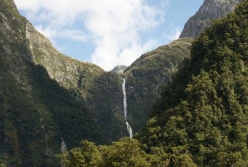 آبشار ساترلند در نیوزلند
