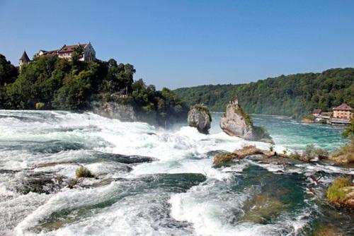 آبشار راین در سوئیس