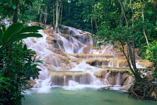 آبشار دانز در جامائیکا