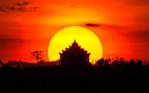 غروب آفتاب در میانمار