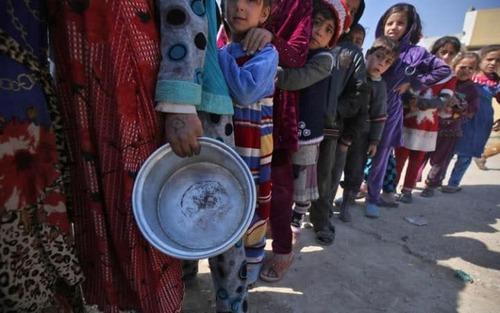 صف غذا در نزدیکی موصل