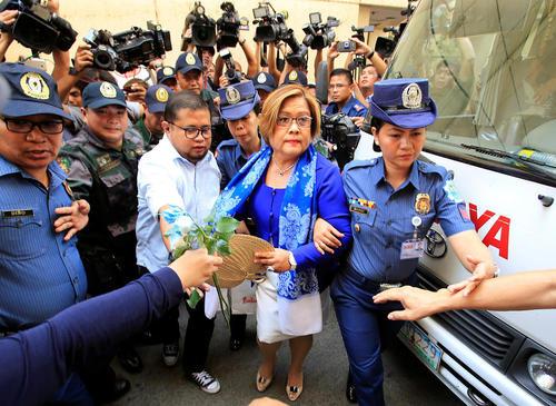 دستگیری یک سناتور فیلیپینی به اتهام دست داشتن در قاچاق مواد مخدر