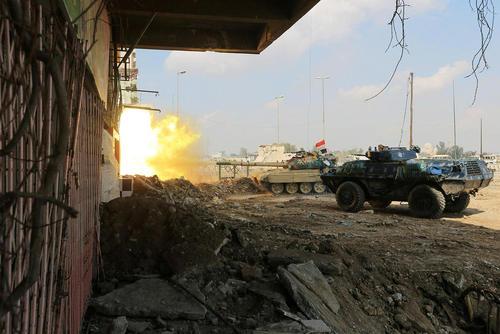 ه جنگ نیروهای ارتش عراق با تروریست های داعش در غرب شهر موصل