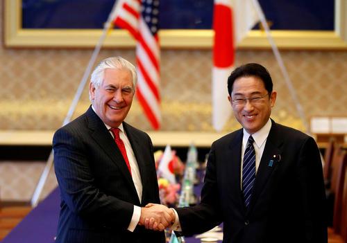 دیدار رکس تیلرسون وزیر امور خارجه آمریکا با همتای ژاپنی در توکیو