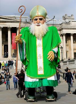 مجسمه بزرگ سن پاتریک در میدان ترافالگار لندن