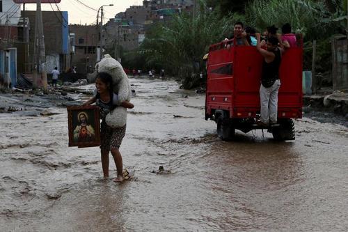 سیل در منطقه ای حومه ای از شهر لیما پایتخت پرو