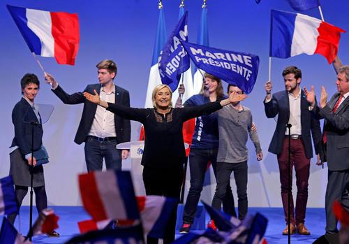 سخنرانی مارین لوپن نامزد راستگرای انتخابات ریاست جمهوری فرانسه در جمع حامیانش در شهر متز فرانسه