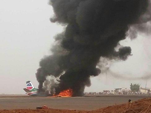 آتش گرفتن هواپیمای مسافربری با 44 سرنشین در فرودگاه شهر وائو در سودان جنوبی