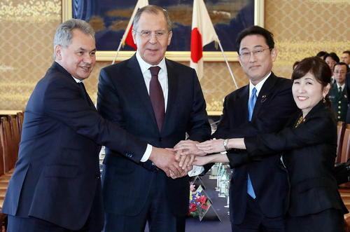 نشست مشترک وزرای خارجه و دفاع روسیه و ژاپن در توکیو