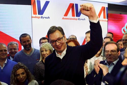جشن پیروزی نخست وزیر صربستان در انتخابات ریاست جمهوری این کشور – بلگراد