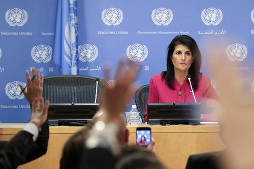 نیکی هیلی سفیر آمریکا در سازمان ملل در نشست خبری در مقر این سازمان به مناسبت تحویل ریاست دوره ای - ماهانه شورای امنیت به آمریکا