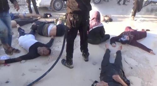 تصاویری از آسیب دیدگان و قربانیان حمله مرموز شیمیایی بامداد سه شنبه به شهر خان شیخون در استان ادلب سوریه