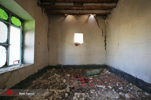 برخی ساختمانهای مشهد و اطراف بر اثر زلزله ۶ ریشتری ترک خورده اند