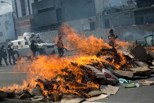 ادامه تظاهرات مخالفان حکومت ونزوئلا – کاراکاس