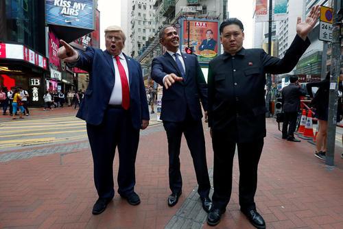 حضور بدل های روسای جمهور سابق و کنونی آمریکا و رهبر کره شمالی در شهر هنگ کنگ