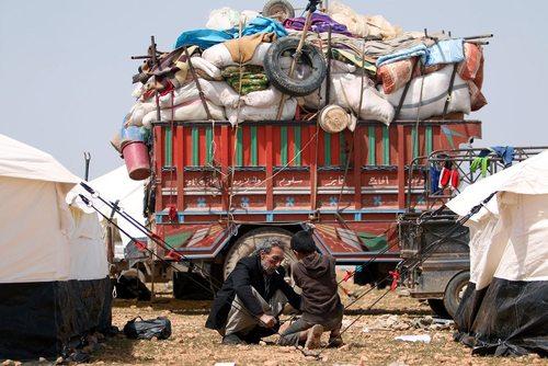 آوارگان سوری گریخته از شهر رقه در اردوگاه اسکان آوارگان در منبج