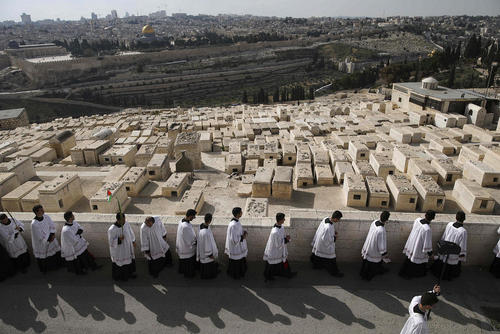 آیین مذهبی مسیحیان در کوه زیتون در شهر قدس
