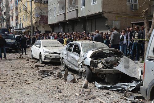 انفجار تروریستی در نزدیکی پاسگاه پلیس در شهر کردنشین دیاربکر ترکیه