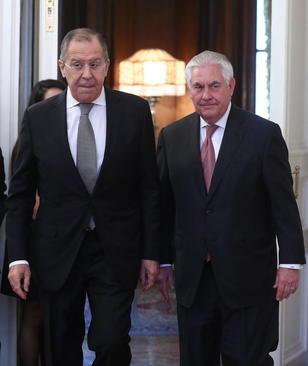 دیدار و گفت و گوی 4 ساعته وزرای امور خارجه آمریکا و روسیه در مسکو